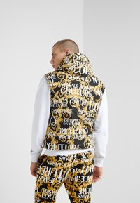 Versace Jeans Couture - REVERSIBLE VEST BAROQUE - Waistcoat - nero - 2