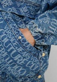Versace Jeans Couture - Džínová bunda - blue denim - 6