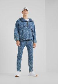 Versace Jeans Couture - Džínová bunda - blue denim - 1