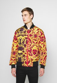 Versace Jeans Couture - REVERSIBLE BOMBER - Bomber Jacket - red - 6