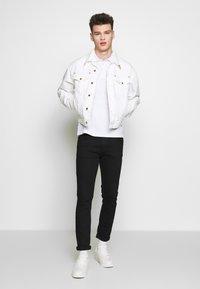 Versace Jeans Couture - JACKET ICON - Džínová bunda - white - 1