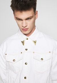 Versace Jeans Couture - JACKET ICON - Džínová bunda - white - 3