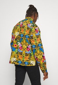 Versace Jeans Couture - JACKET ALLOVER PRINT - Jeansjacke - multi - 2