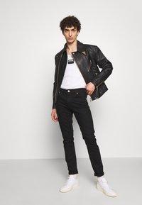 Versace Jeans Couture - JACKET - Veste en cuir - black - 1