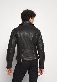 Versace Jeans Couture - JACKET - Veste en cuir - black - 2