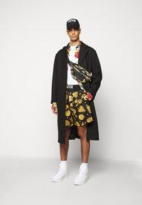 Versace Jeans Couture - DIAGONAL COAT MIRO - Zimní kabát - nero - 1