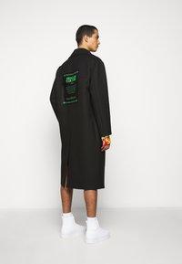 Versace Jeans Couture - DIAGONAL COAT MIRO - Zimní kabát - nero - 2