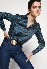 Versace Jeans Couture - RODEO BAROQUE REGULAR BELT - Pasek - black - 1