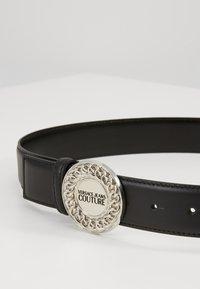 Versace Jeans Couture - CIRCLE LOGO METALLIC BELT - Pásek - nero - 3