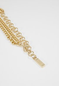 Versace Jeans Couture - CHAIN LAYERED CHARM BELT - Náramek - gold-coloured