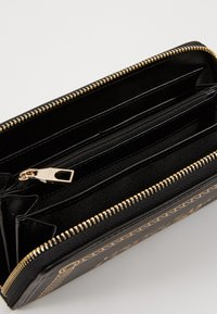 Versace Jeans Couture - PRINT WALLET - Portefeuille - black - 5