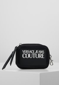 Versace Jeans Couture - TAB SMALL COIN WALLET - Geldbörse - black - 0