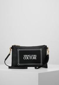 Versace Jeans Couture - Psaníčko - black - 0