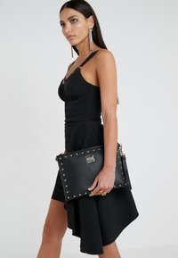 Versace Jeans Couture - Clutch - nero - 1