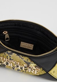 Versace Jeans Couture - Clutch - black/yellow - 4