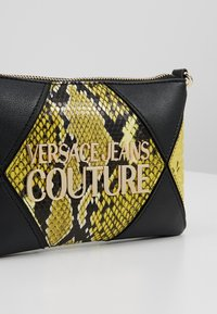 Versace Jeans Couture - Clutch - black/yellow - 6