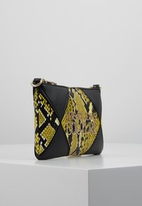 Versace Jeans Couture - Clutch - black/yellow - 3