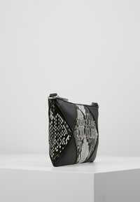 Versace Jeans Couture - Clutch - black - 3