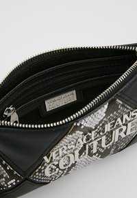 Versace Jeans Couture - Clutch - black - 4