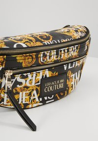 Versace Jeans Couture - BELT BAG - Sac banane - black/gold coloured - 6