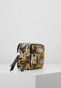 Versace Jeans Couture - CROSSBODY - Taška spříčným popruhem - black - 3