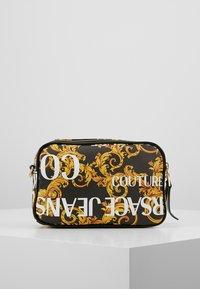 Versace Jeans Couture - CROSSBODY - Taška spříčným popruhem - black - 2