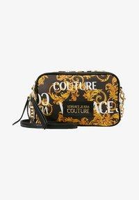 Versace Jeans Couture - CROSSBODY - Taška spříčným popruhem - black - 5