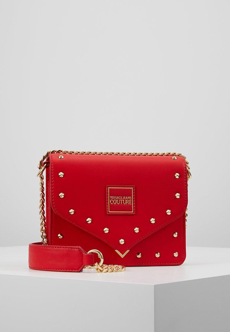 Versace Jeans Couture - STUDS SMALL SHOULDER BAG - Schoudertas - rosso