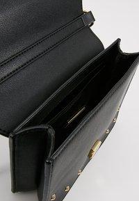 Versace Jeans Couture - STUDS SMALL SHOULDER BAG - Olkalaukku - nero - 4