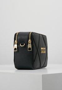 Versace Jeans Couture - DOUBLE ZIP CROSSBODY PATNET - Schoudertas - nero - 3