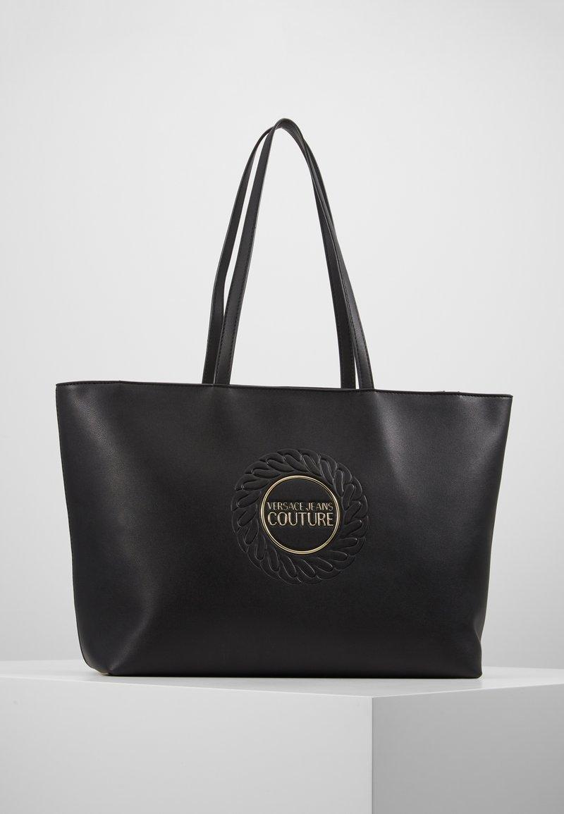 Versace Jeans Couture - EMBOSSED LOGO  - Käsilaukku - nero