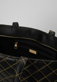 Versace Jeans Couture - SHOPPER QUILTED - Cabas - nero - 4