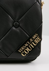 Versace Jeans Couture - COUCH SHOULDERBAG - Handbag - nero - 6