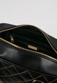 Versace Jeans Couture - QUILTED HANDBAG - Handtas - nero - 4