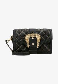 Versace Jeans Couture - BELT BUCKLE BAG QUILTED - Handtas - black - 5