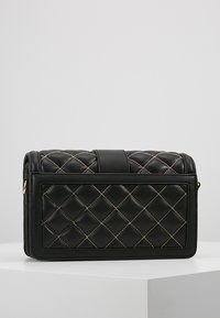 Versace Jeans Couture - BELT BUCKLE BAG QUILTED - Handtas - black - 2
