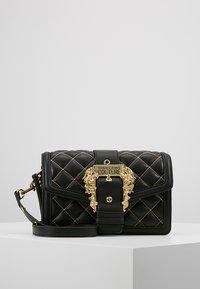 Versace Jeans Couture - BELT BUCKLE BAG QUILTED - Handtas - black - 0