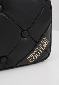 Versace Jeans Couture - Skuldertasker - black - 6