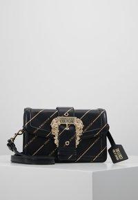 Versace Jeans Couture - LOGATA BUCKLE - Schoudertas - black - 0