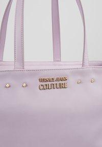 Versace Jeans Couture - Borsa a mano - wisteria - 6