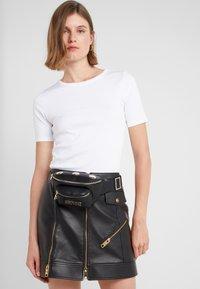 Versace Jeans Couture - Bum bag - black - 1