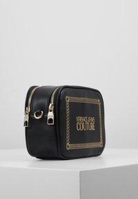 Versace Jeans Couture - Schoudertas - black/gold - 3