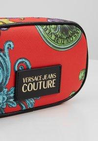 Versace Jeans Couture - HERITAGE - Bum bag - jasper - 6