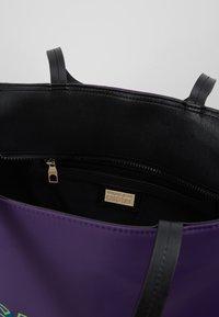 Versace Jeans Couture - Velká kabelka - purple - 4
