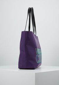 Versace Jeans Couture - Velká kabelka - purple - 3