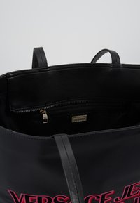 Versace Jeans Couture - Bolso shopping - black - 4