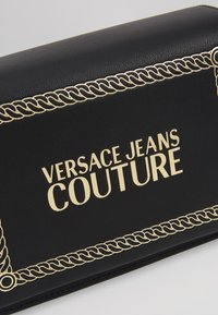 Versace Jeans Couture - Across body bag - black/gold - 6