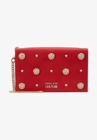 Versace Jeans Couture - Taška spříčným popruhem - red - 7