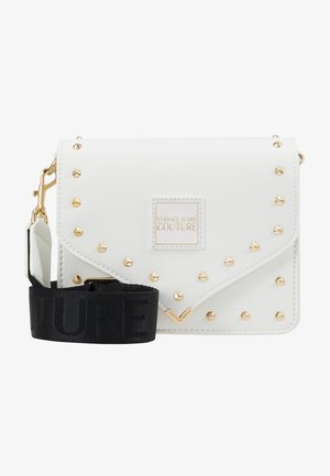 STUDDED FLAP OVER - Schoudertas - white