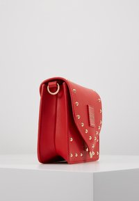 Versace Jeans Couture - STUDDED FLAP OVER - Schoudertas - red - 3